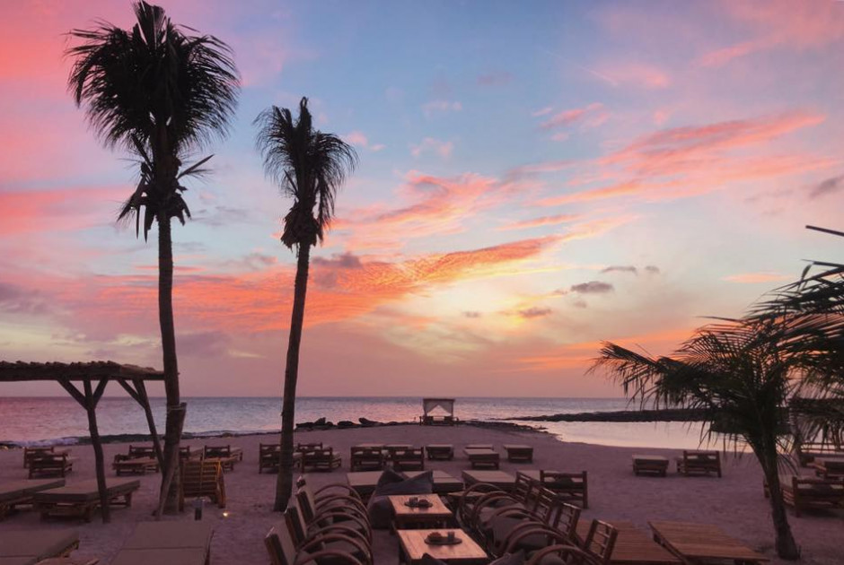 the-5-best-hotspots-on-bonaire-to-enjoy-a-sunset-cocktail